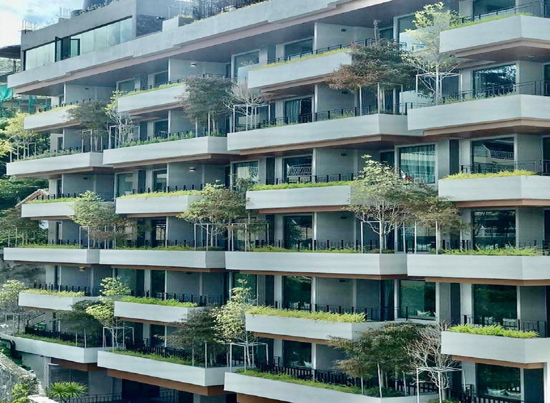 Rak Elegant Hotel Patong - Image 2