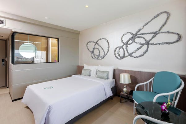 Pearl Hotel - Image 1
