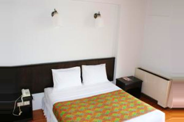 Rome Place Hotel - Image 1