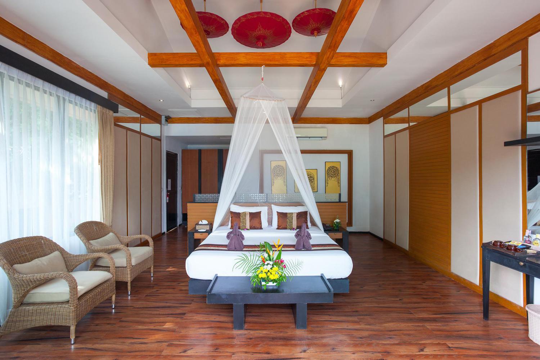 Phi Phi Long Beach Resort and Villa - Image 1