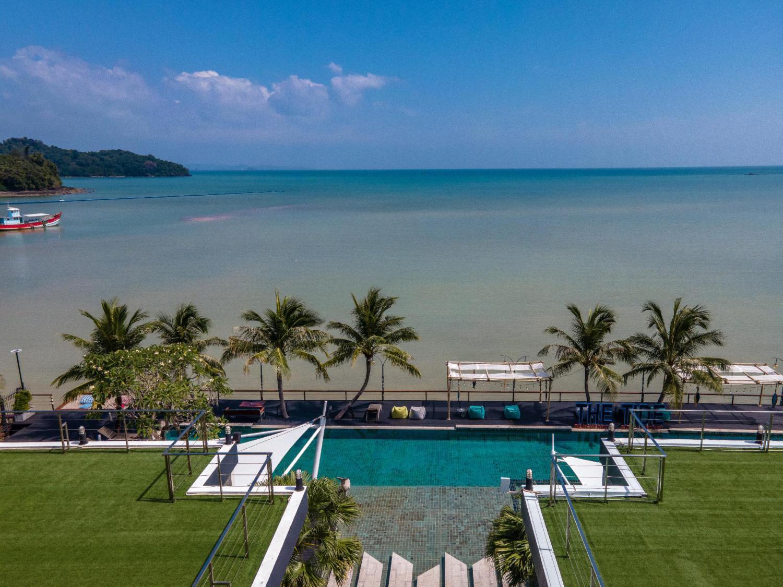 The Tide Beachfront Siray Phuket
