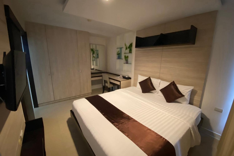 Bella B All Suites Hotel - Image 1