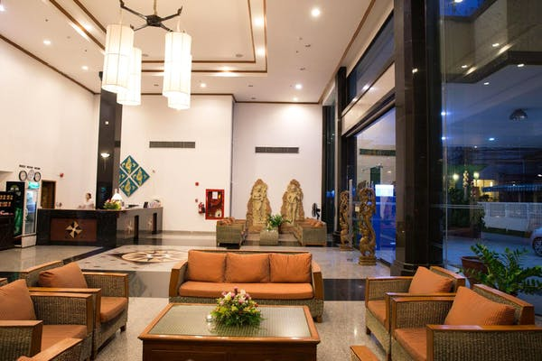 CH Hotel - Image 2