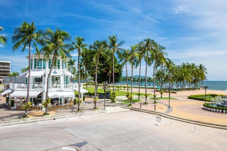 Ambassador City Jomtien Hotel - Image 2