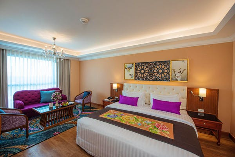 Empress Premier Hotel Chiang Mai - Image 1