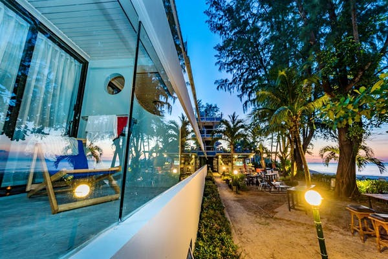 Thai Kamala Beach Front Hotel - Image 5
