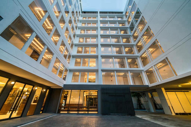 Hotel Amber Sukhumvit 85 - Image 0