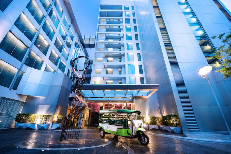 Radisson Suites Bangkok Sukhumvit - Image 2