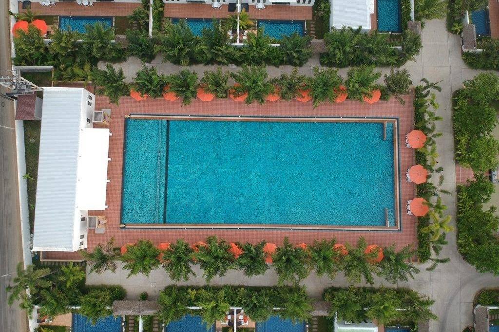 3z pool villa and hotel - Image 2