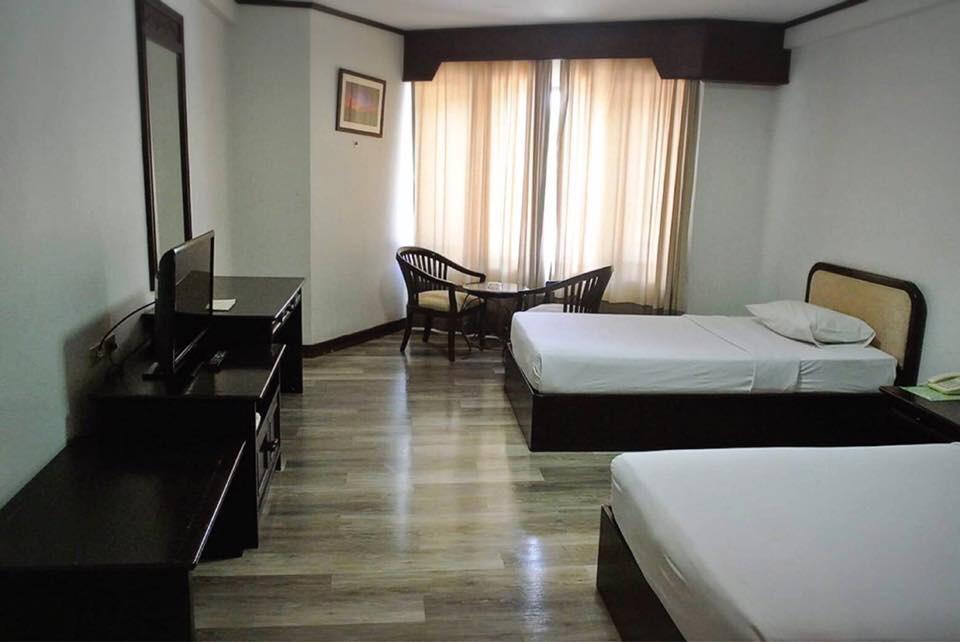Royal Diamond Hotel - Image 1