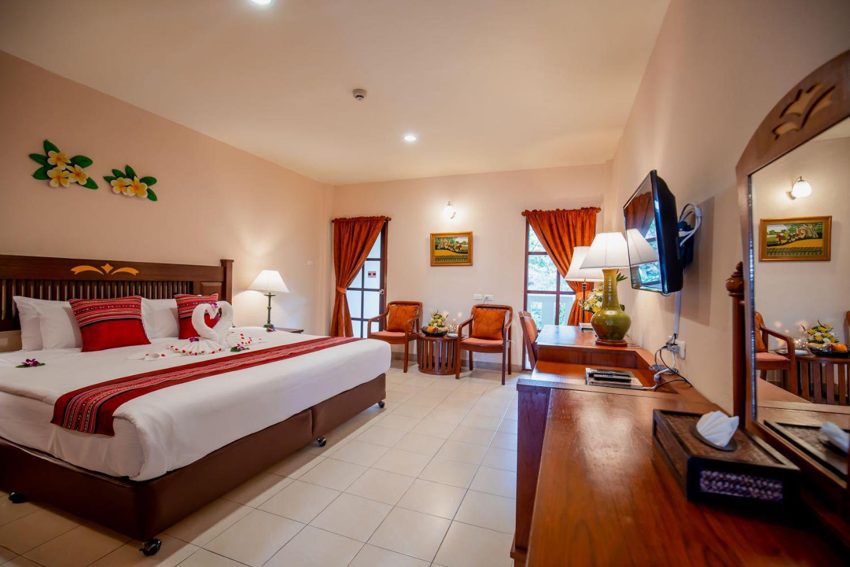 Hyton Leelavadee Hotel - Image 3