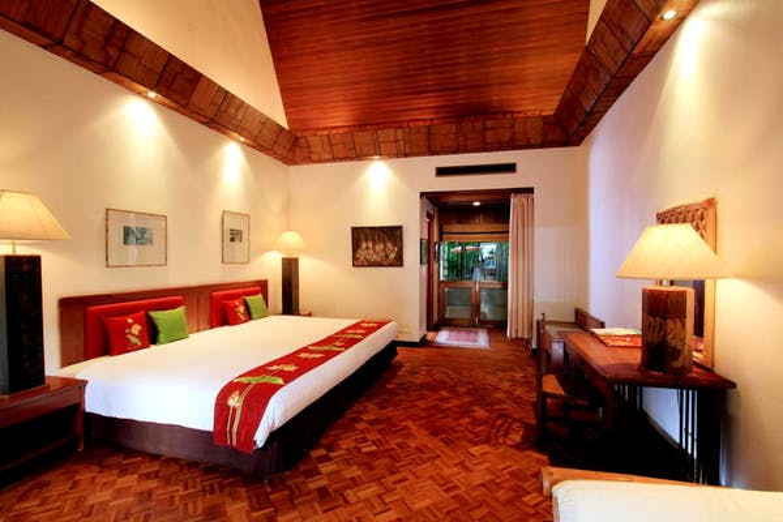 Mom Tris Villa Royale Hotel - Image 3