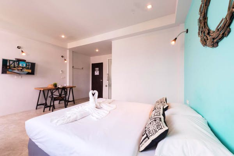 Hip Hostel Patong - Image 1