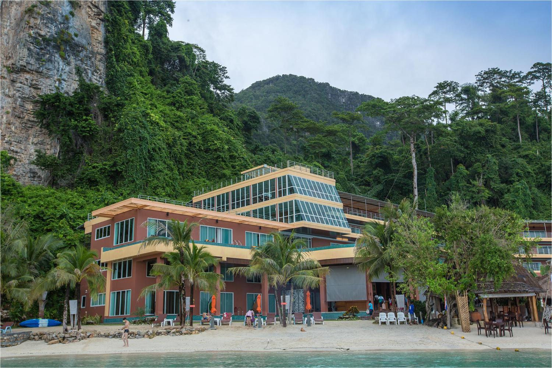 Phi Phi Cliff Beach Resort - Image 1