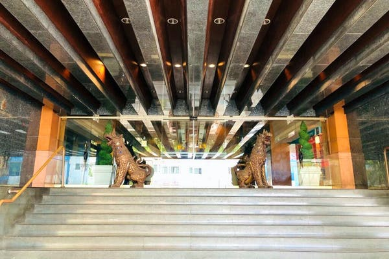 Indra Regent Hotel - Image 2