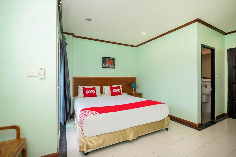 Chusri Hotel - Image 0