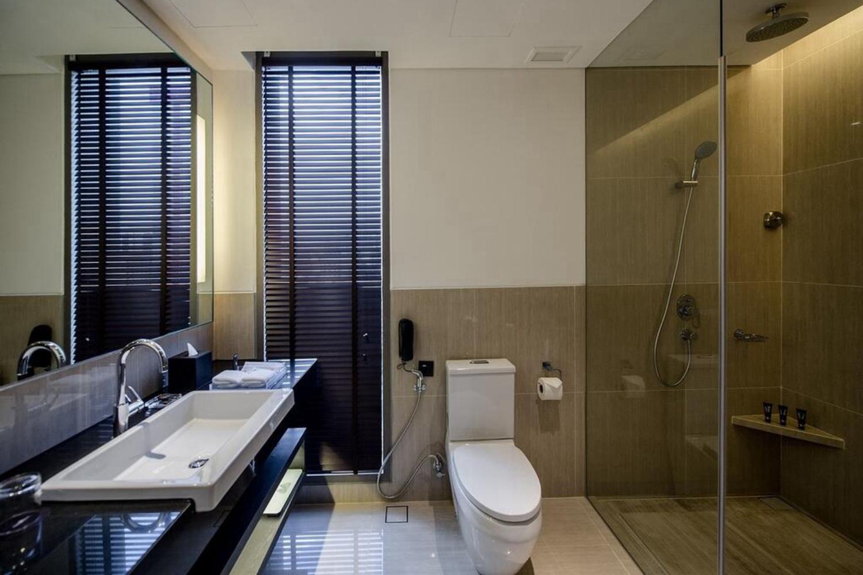 Amara Bangkok Hotel - Image 1