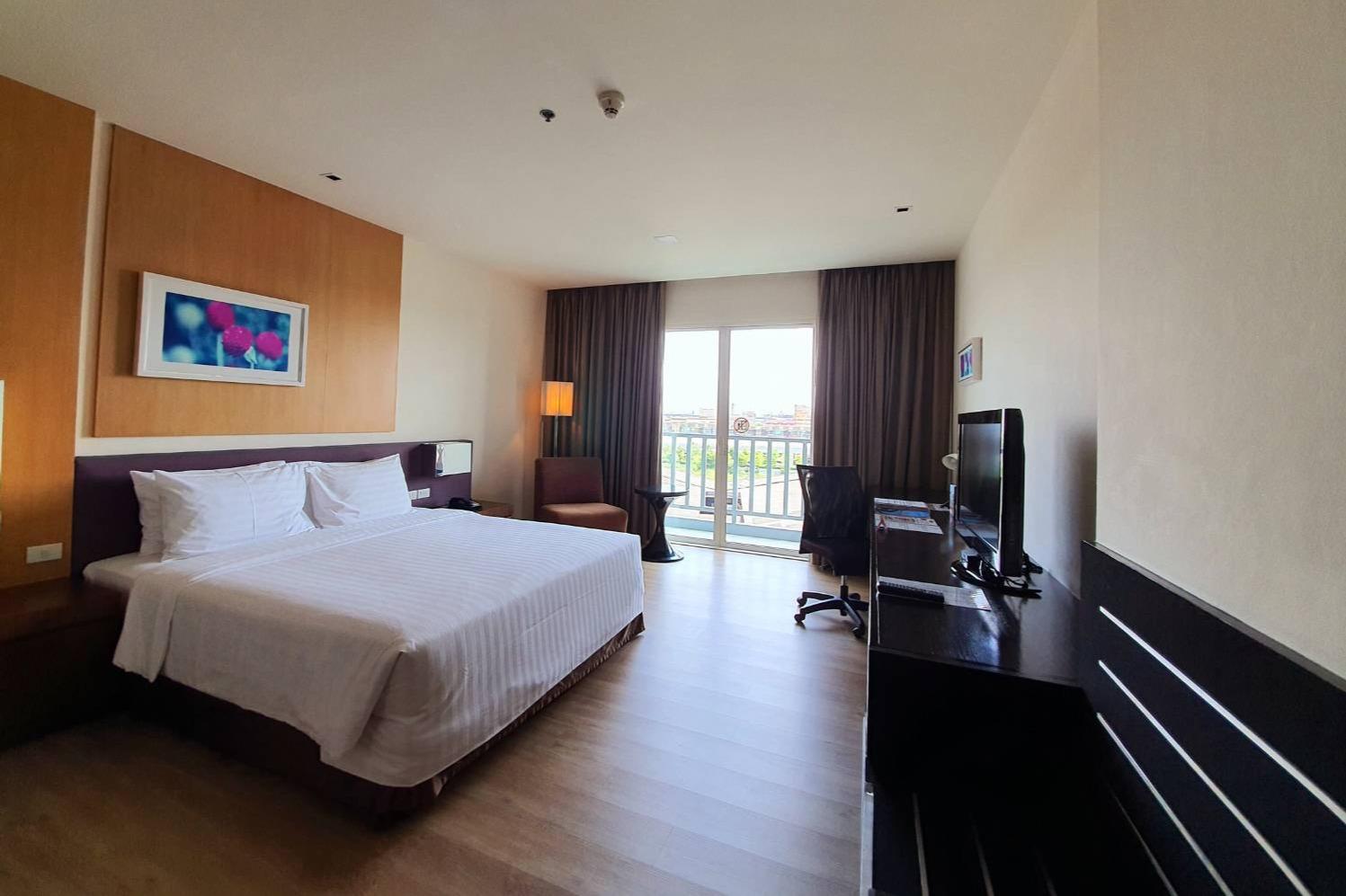 Amaranth Suvarnabhumi Hotel - Image 1