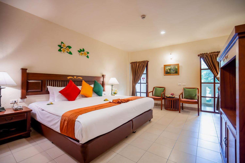 Hyton Leelavadee Hotel - Image 1