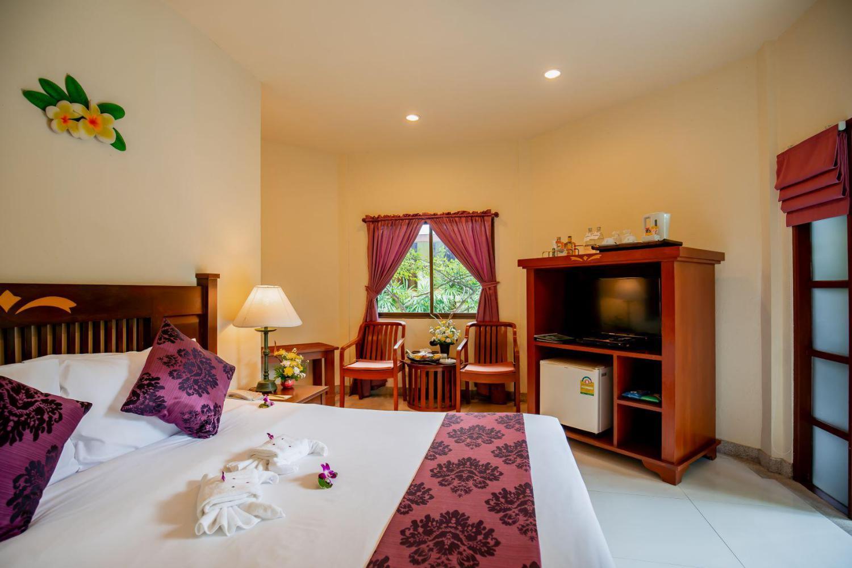 Hyton Leelavadee Hotel - Image 5