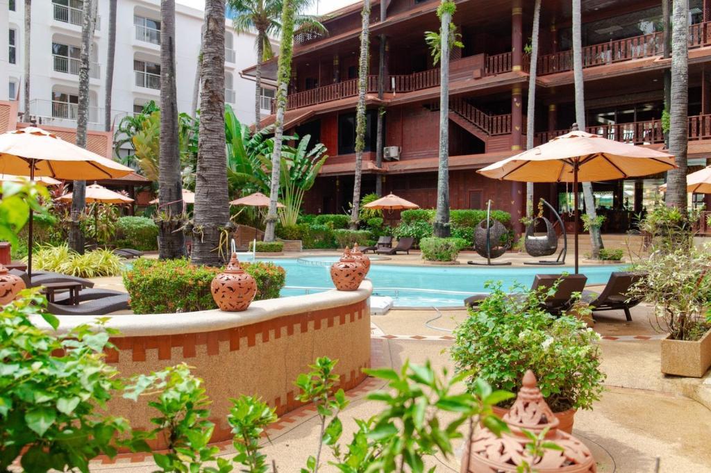 Royal Phawadee Village Patong Beach Hotel - Image 4