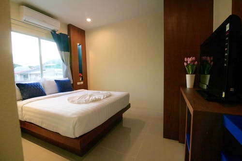 Calypso Patong Hotel - 1