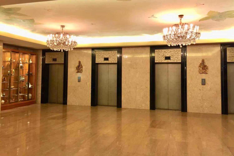 Indra Regent Hotel - Image 5