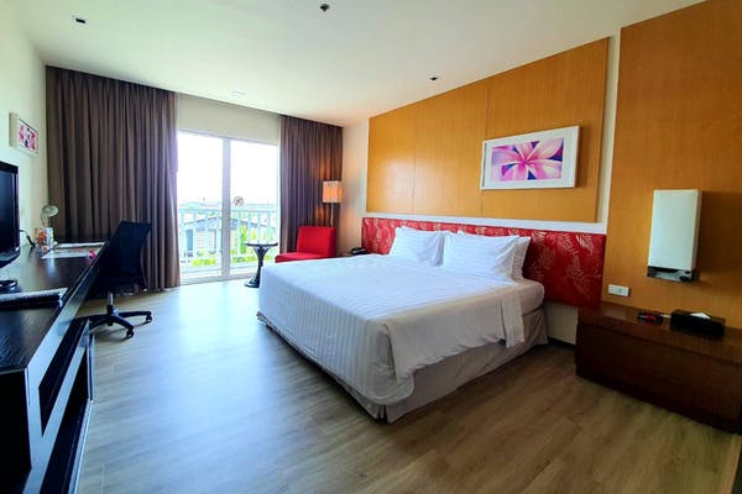 Amaranth Suvarnabhumi Hotel - Image 2