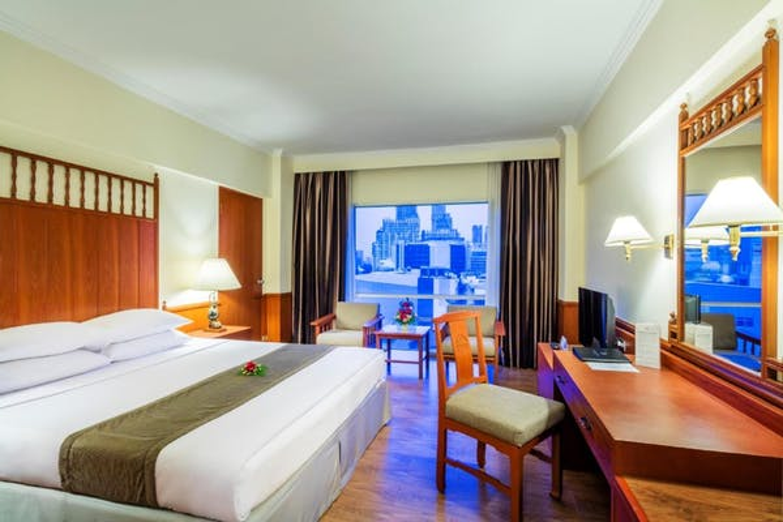 Bangkok Palace Hotel - Image 1