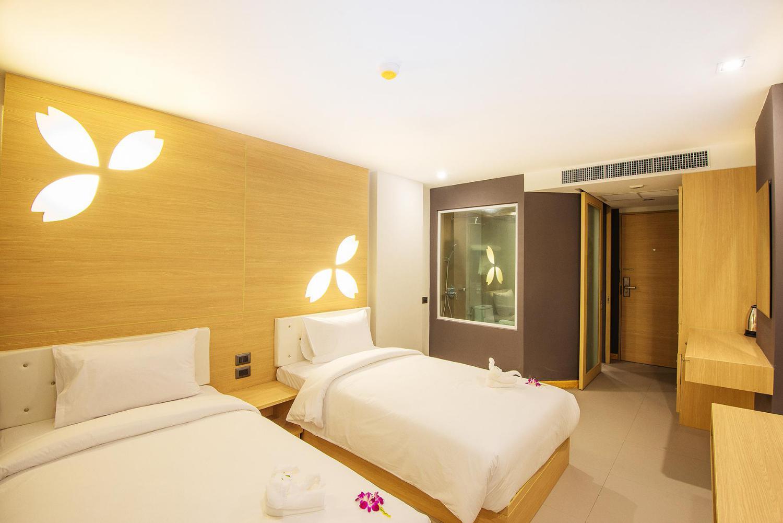 Araya Beach Hotel Patong - Image 1