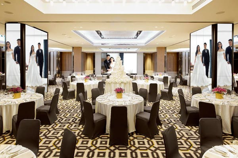 Montien Hotel Surawong Bangkok - Image 5
