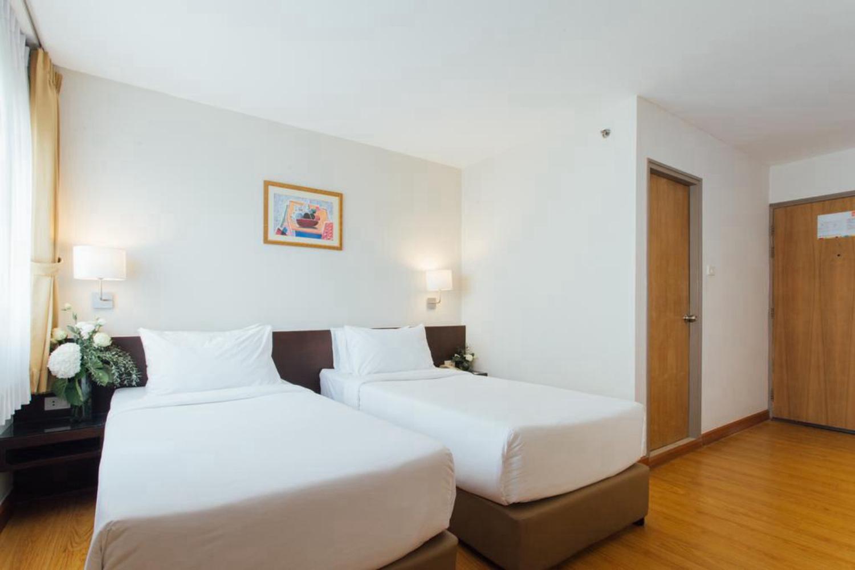 Seasons Siam Hotel - Image 4
