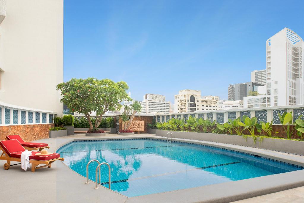 Montien Hotel Surawong Bangkok - Image 3