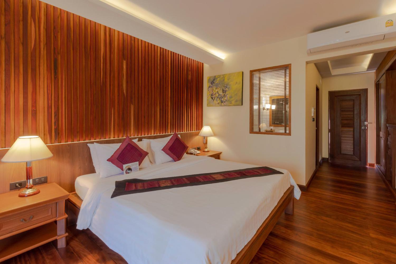 Khaolak Bay Front Hotel - Image 1