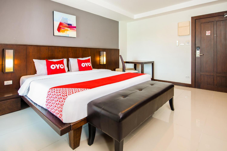OYO 241 Ratana Hotel Sakdidet - Image 1