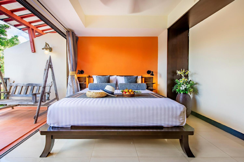 Lanta Cha Da Beach Resort and Spa - Image 1