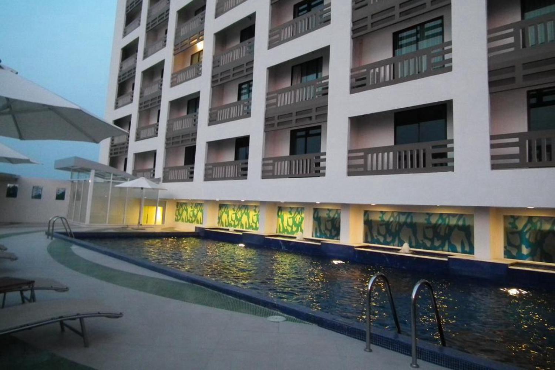 Maple Hotel - Image 1