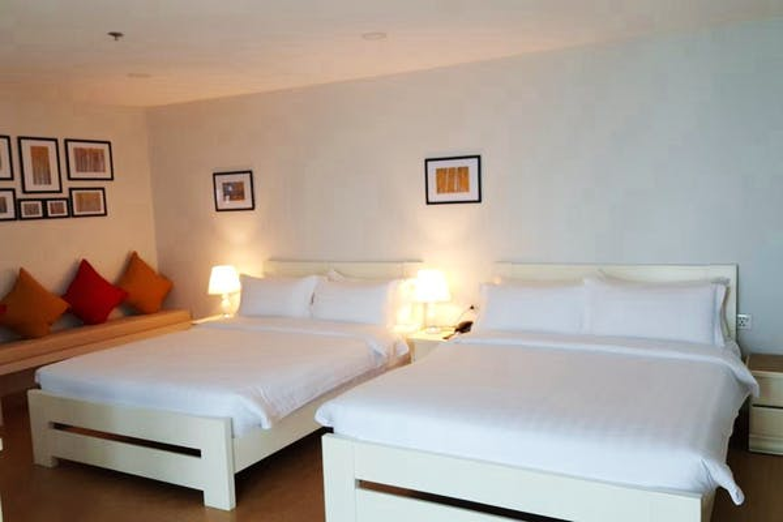 The Kinn Bangkok Hotel - Image 4