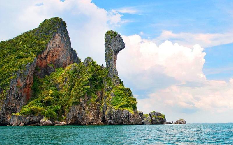 Maneetel Krabi Beachfront - Image 2