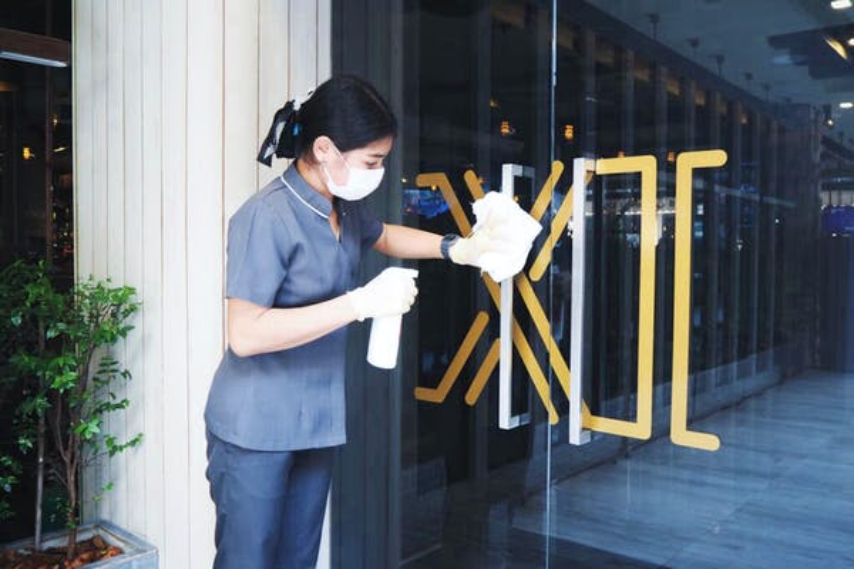 Eleven Hotel Bangkok Sukhumvit 11 - Image 2