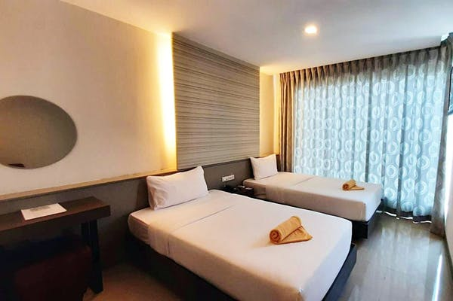 Leenova Hotel - Image 3