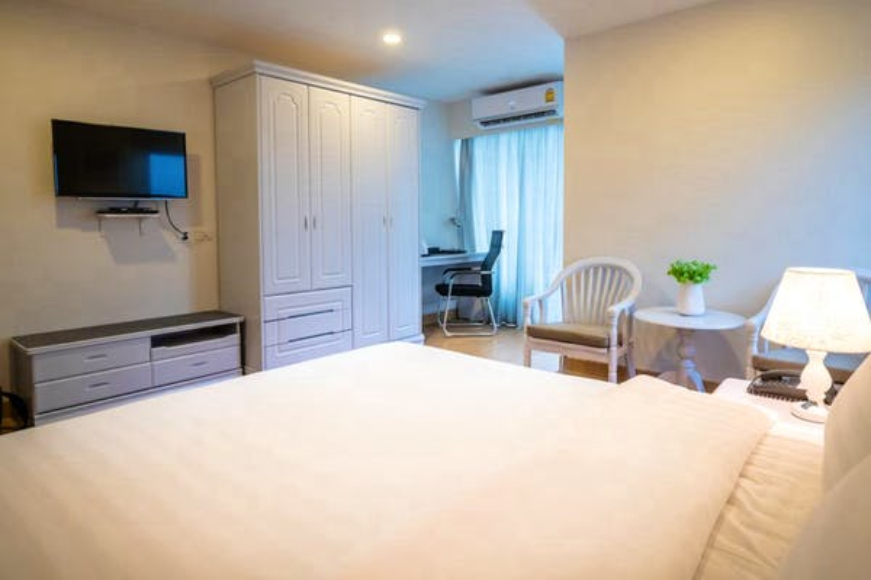 The Kinn Bangkok Hotel - Image 1