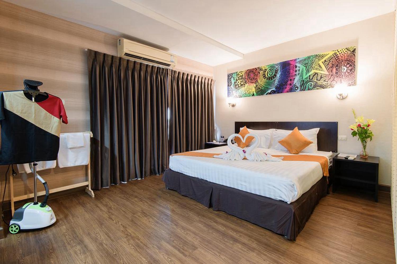 The Cotai Luxury Design Hotel - Image 2