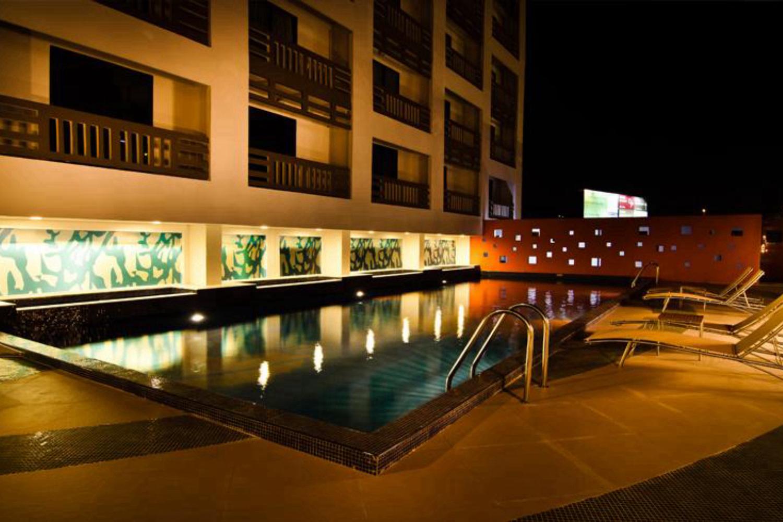 Maple Hotel - Image 0