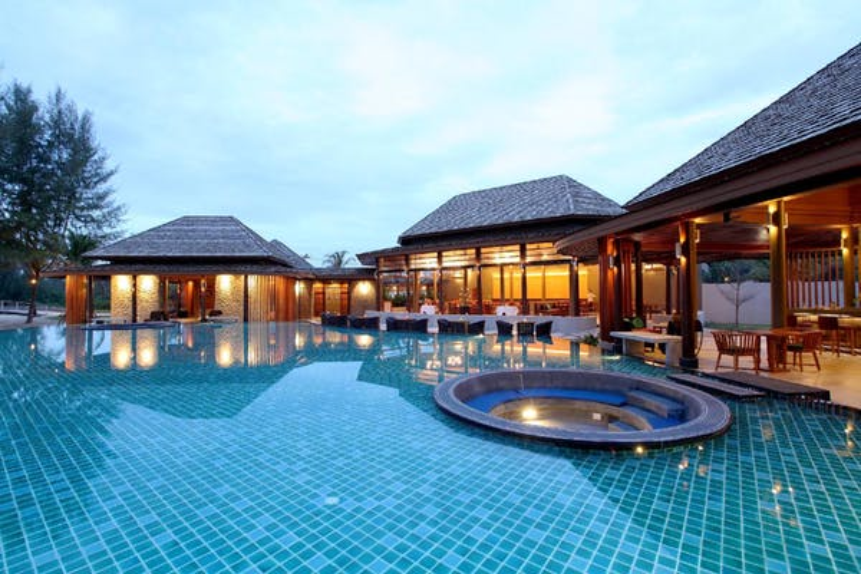 Apsara Beachfront Resort & Villa - Image 0