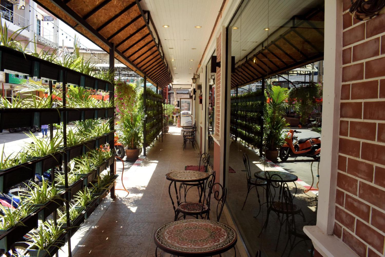 Outdoor Inn & Restaurant - Image 3