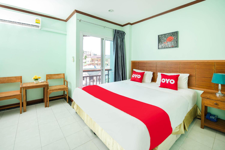 Chusri Hotel - Image 1