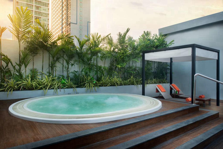Radisson Suites Bangkok Sukhumvit - Image 0