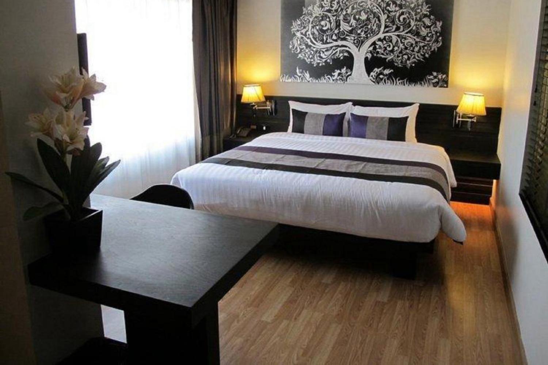 Nouvo City Hotel - Image 2