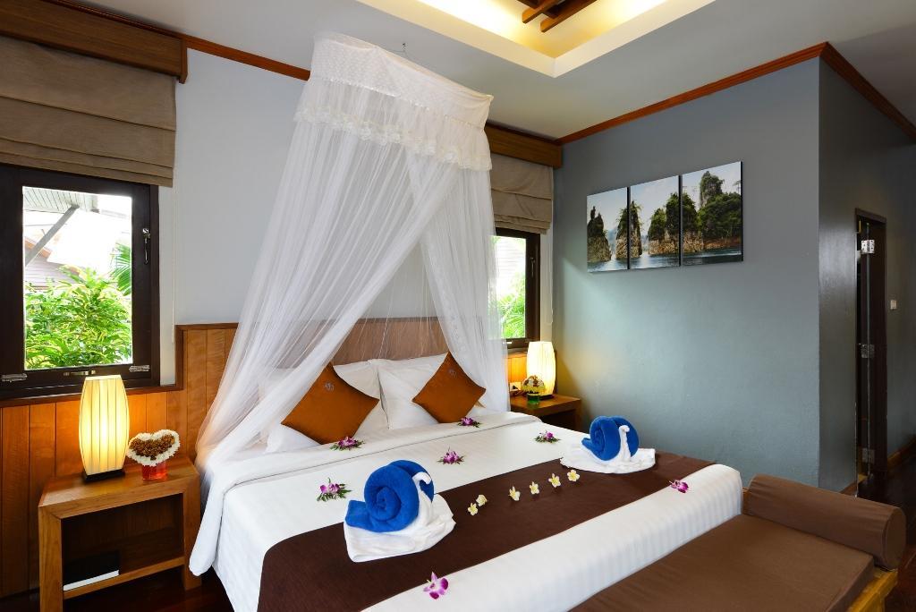 Phangan Bayshore Resort - Image 0